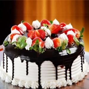 کیک شکلاتی با میوه