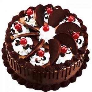 تزیین کیک تولد شکلاتی
