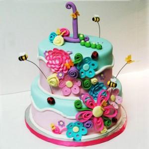 کیک تولد دخترانه با تزیین گل