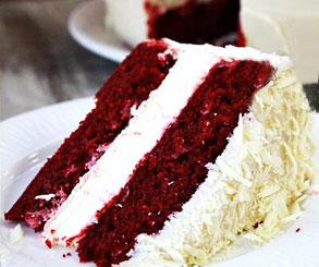 کیک قرمز خامه ای