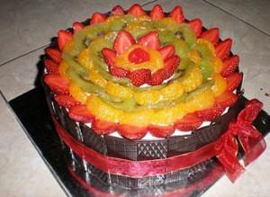 انواع تزیین کیک تولد میوه ای