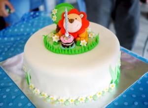 کیک زیبا بچه گانه