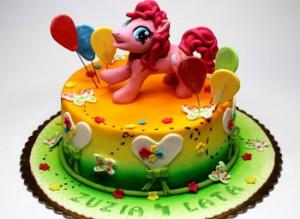 کیک تولد گرد دخترانه