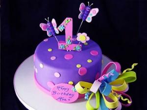کیک تولدگرد بچه گانه