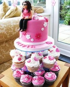 کیک تولدعروسکی دخترانه