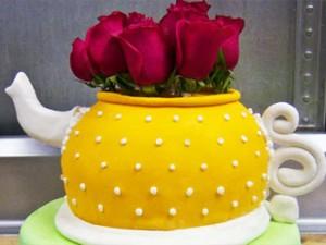 کیک تولدفانتزی قوری