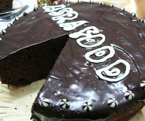 کیک شکلاتی با روکش گاناش