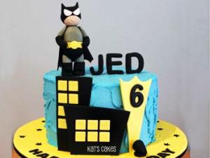 کیک تولدپسرانه فانتزی گرد