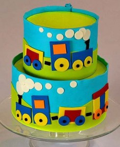 کیک تولدبا تم قطار