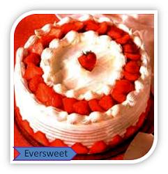 شکلات سفید با کیک توت فرنگی